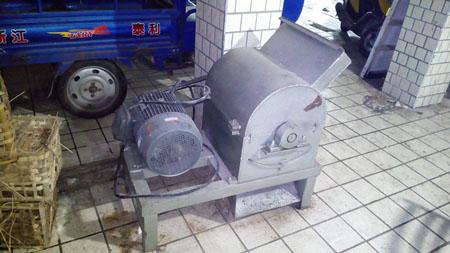 豆饼粉碎机